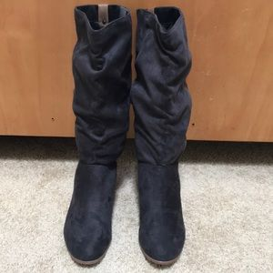 Candies size 8, pull on mid high boots